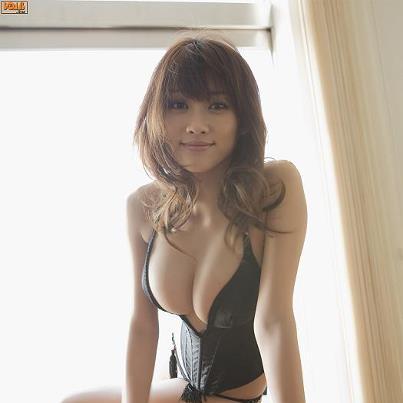 Nỗi khổ gái xinh ngực to như dưa hấu 21