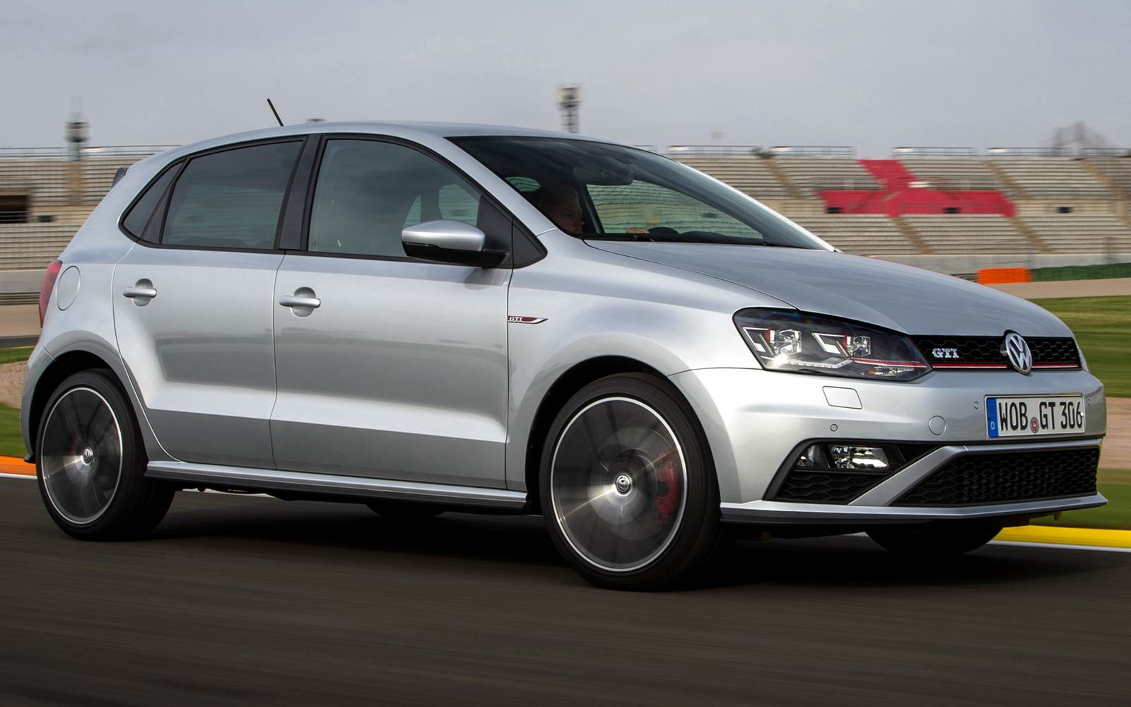 VW Polo 2016: carro compacto mais vendido do mundo