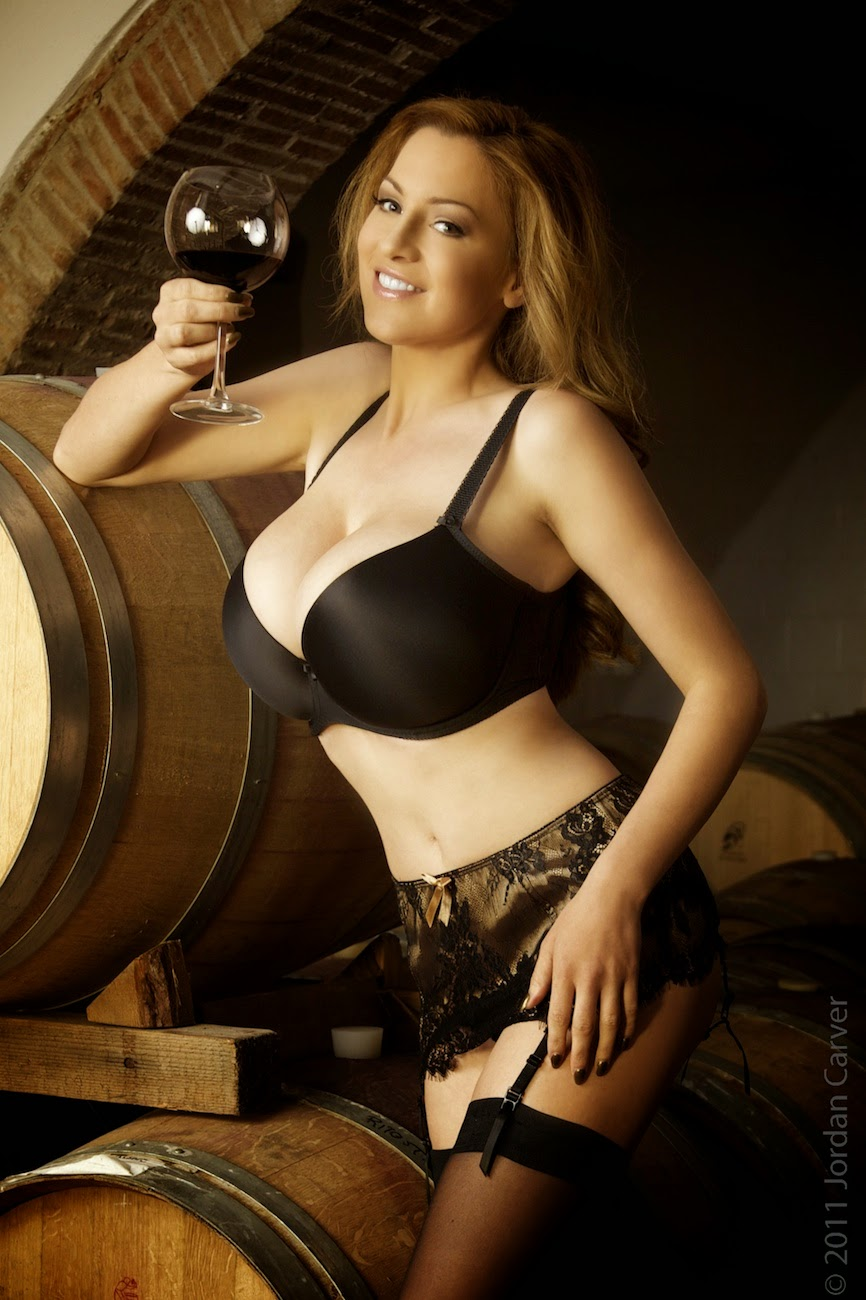 jordan carver big boobs show black bra in winetasting - big boobs