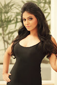 Actress Anjali Glamorous Photo shoto Gallery-thumbnail-14