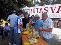 """La Cámpora Punta Indio participó del Programa """"Frutas para Todos"""""""