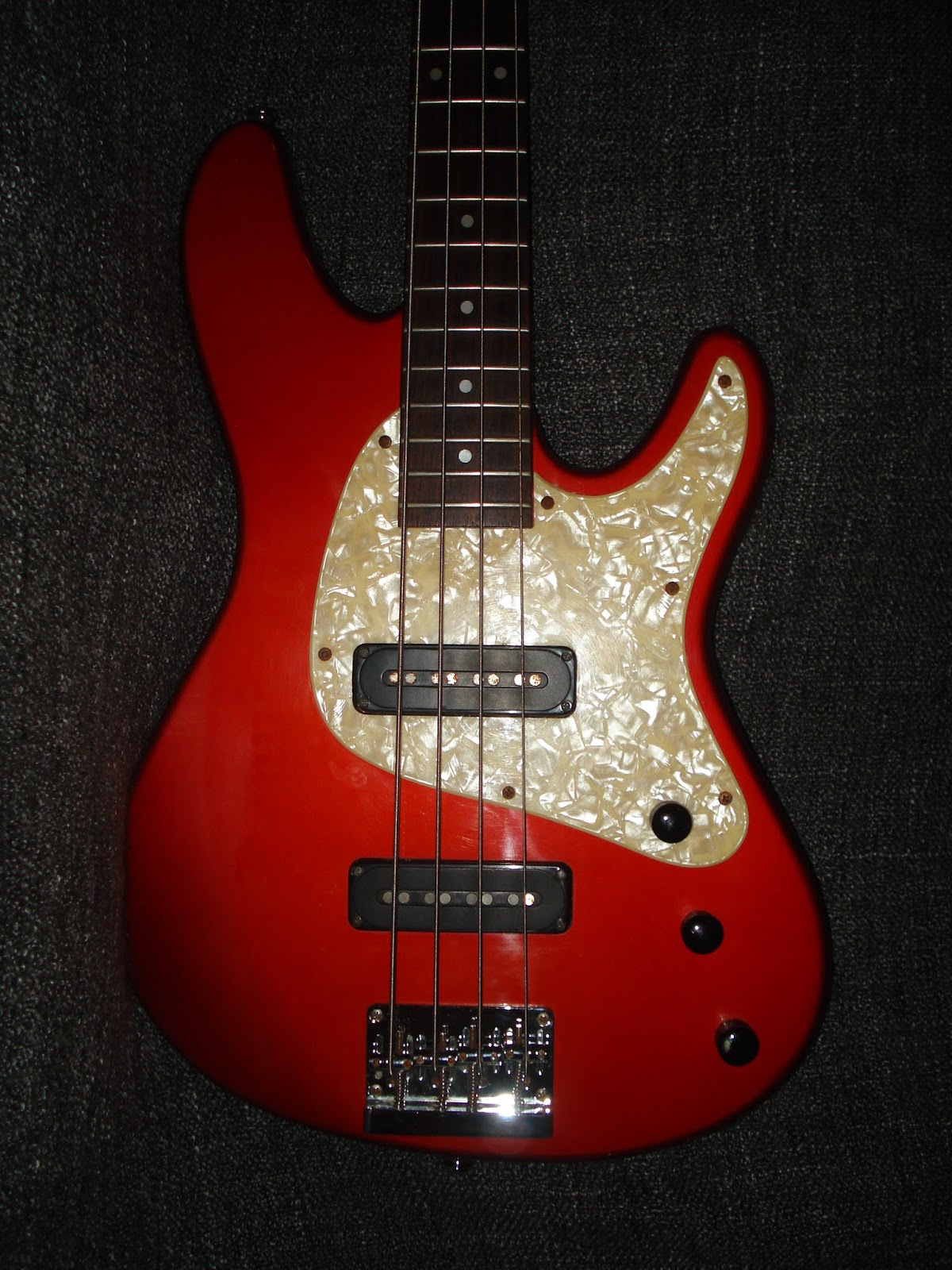 SoCal Gear Museum: 1990s Ibanez TR 300 Expressionist Bass Guitar