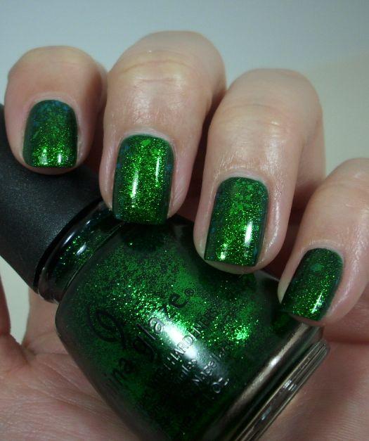 Teenage Glam: green nail art Design
