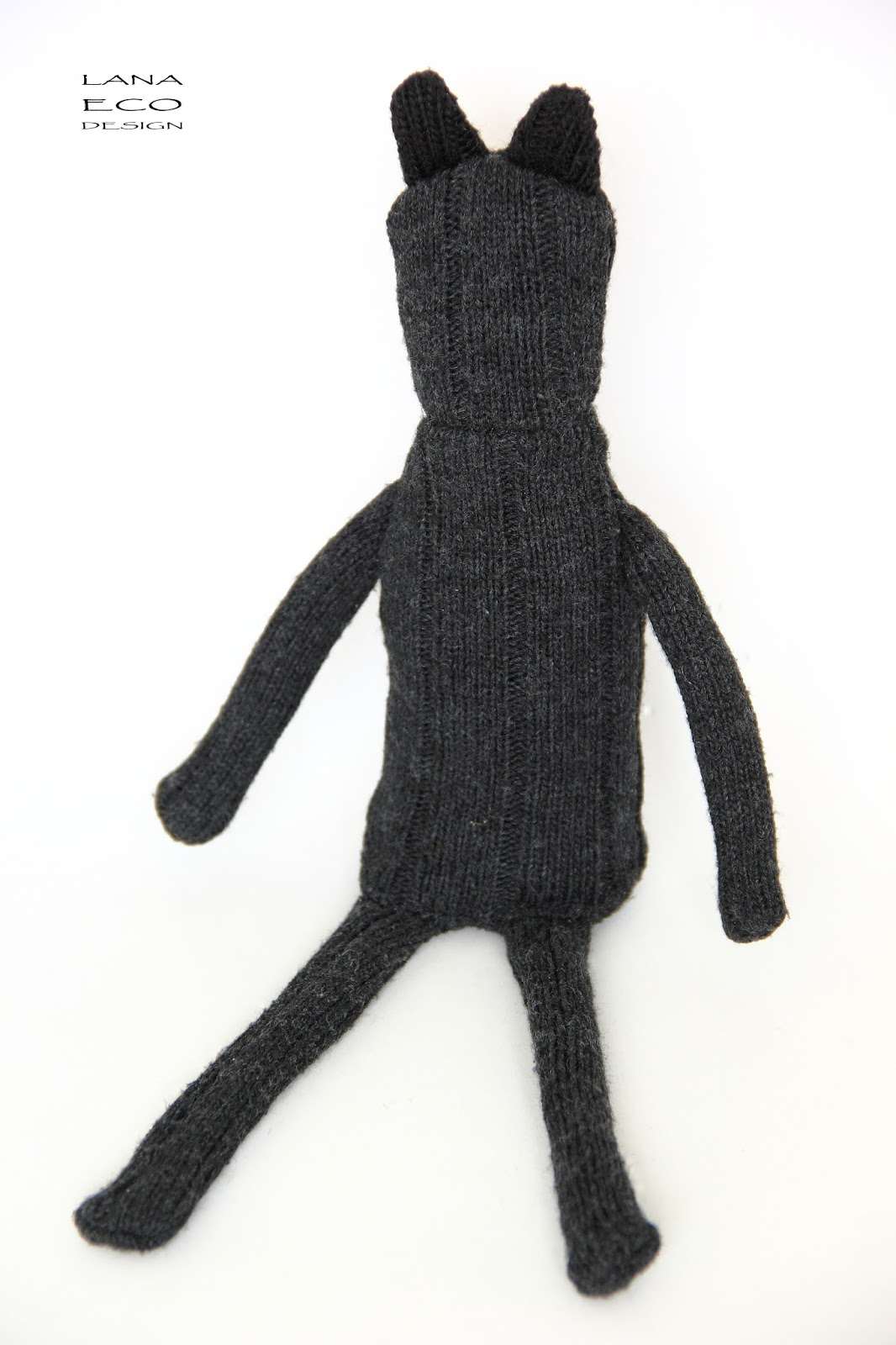 hand-sewed-minimal-design-peluche-soft-toy-stuffed-animal-handmade-eco-friendly-fatto-a-mano