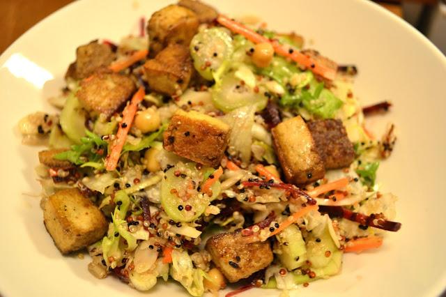 Mastertofu: Warm Quinoa salad with fried Tofu