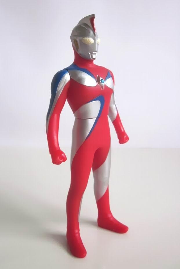 Ultraman Cosmos Corona Mode Robot Art: Ultraman He...