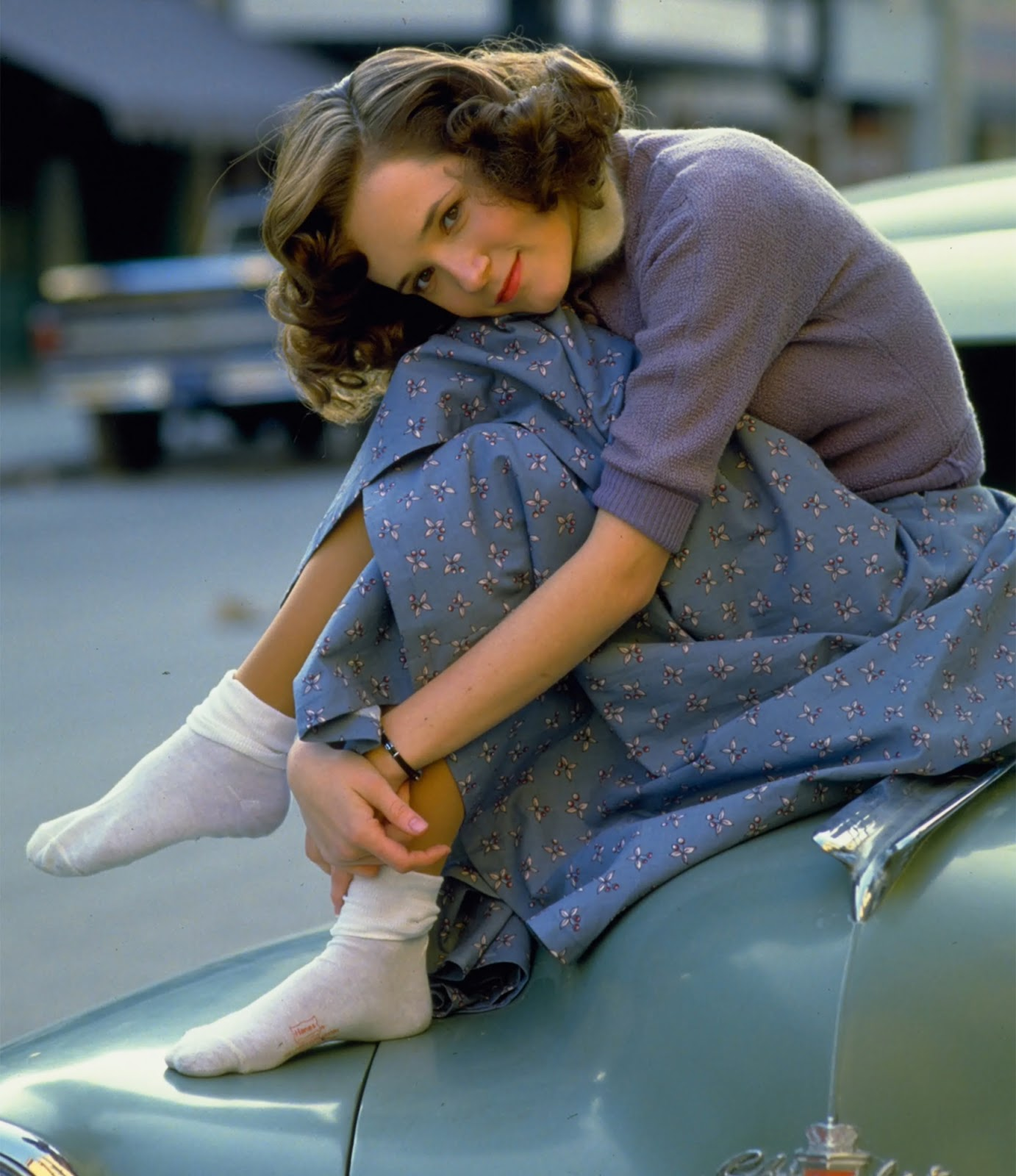 http://4.bp.blogspot.com/-QmJdkqw7Zyk/T4kQfUtRRhI/AAAAAAAAoVw/kWLa2G_vpmg/s1600/Lea_Thompson-Back_To_The_Future-001.jpg