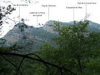 Les cingleres de Tastanós des de molt a prop de La Solana