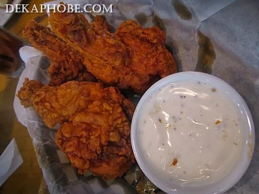 I Am A Dekaphobic Frankie S New York Buffalo Wings