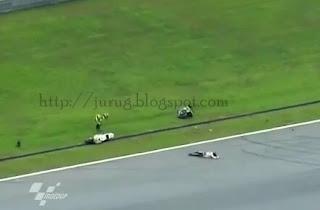 Lihat video kecelakaan tabrakan motor GP sepang malaysia simoncelli