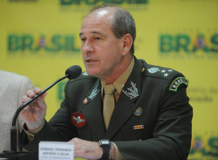 Bolsonaro anuncia o general Azevedo e Silva para a Defesa