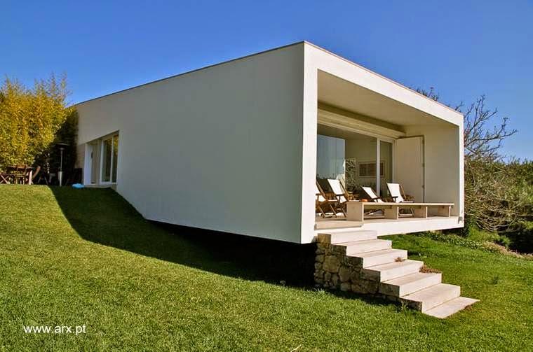 Extremo de la estructura de casa de campo contemporánea en Romeirao, Portugal