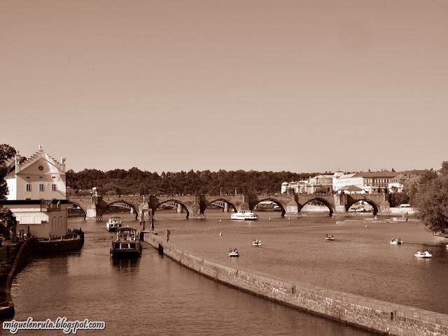 Praga-Moldava-River