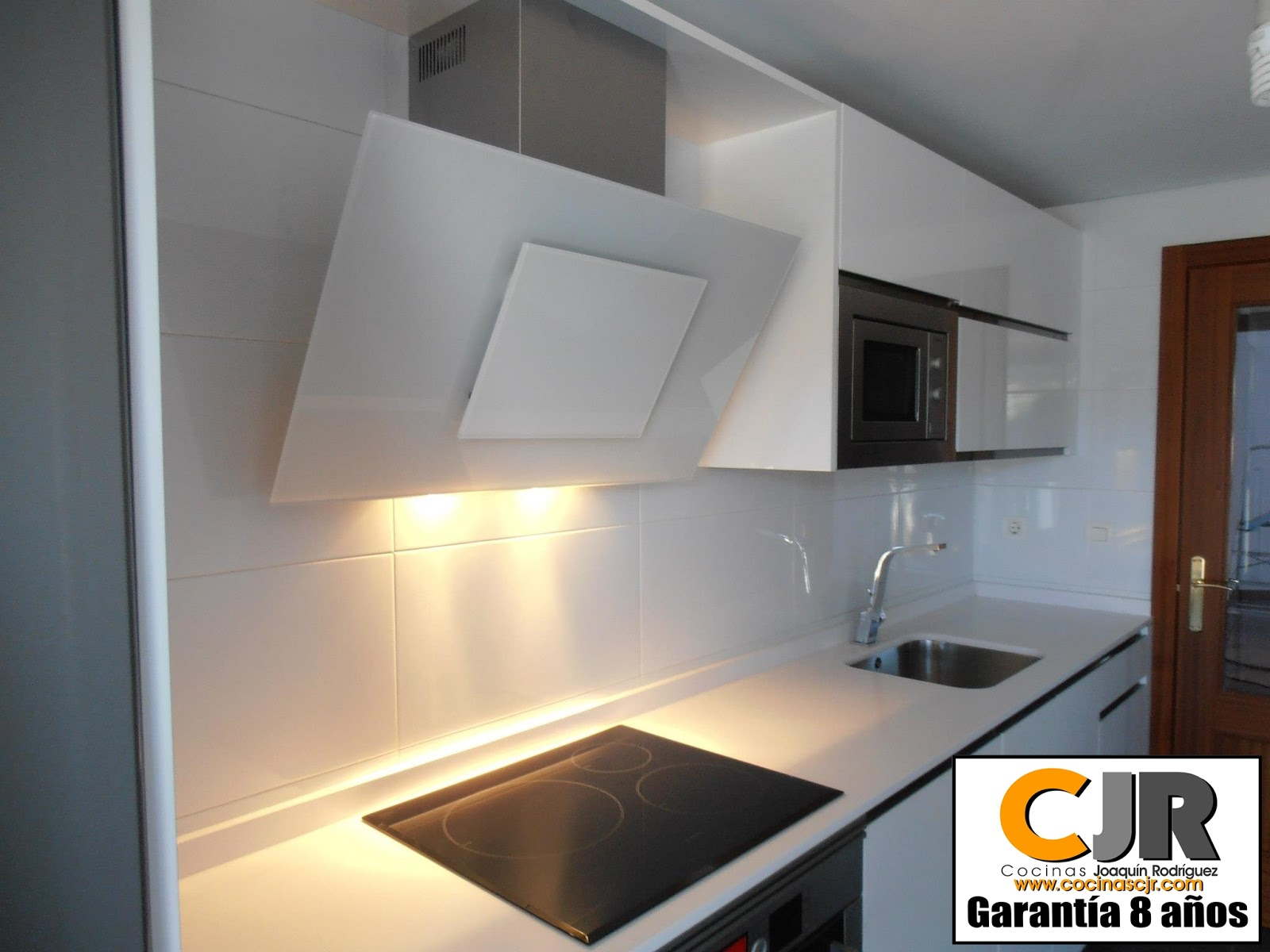 Estudio de cocinas cjr cocinas funcionales cocinas cjr en for Cocinas practicas y funcionales