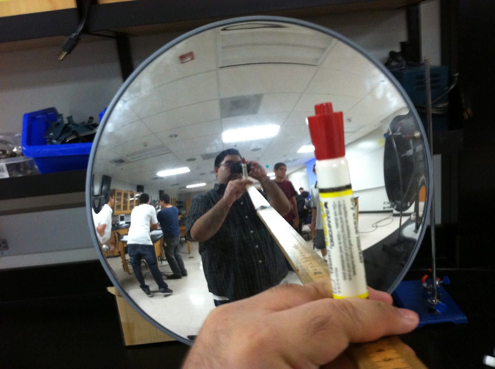 Physics 4c eperalta experiment 9 concave and convex mirrors for Miroir convexe concave