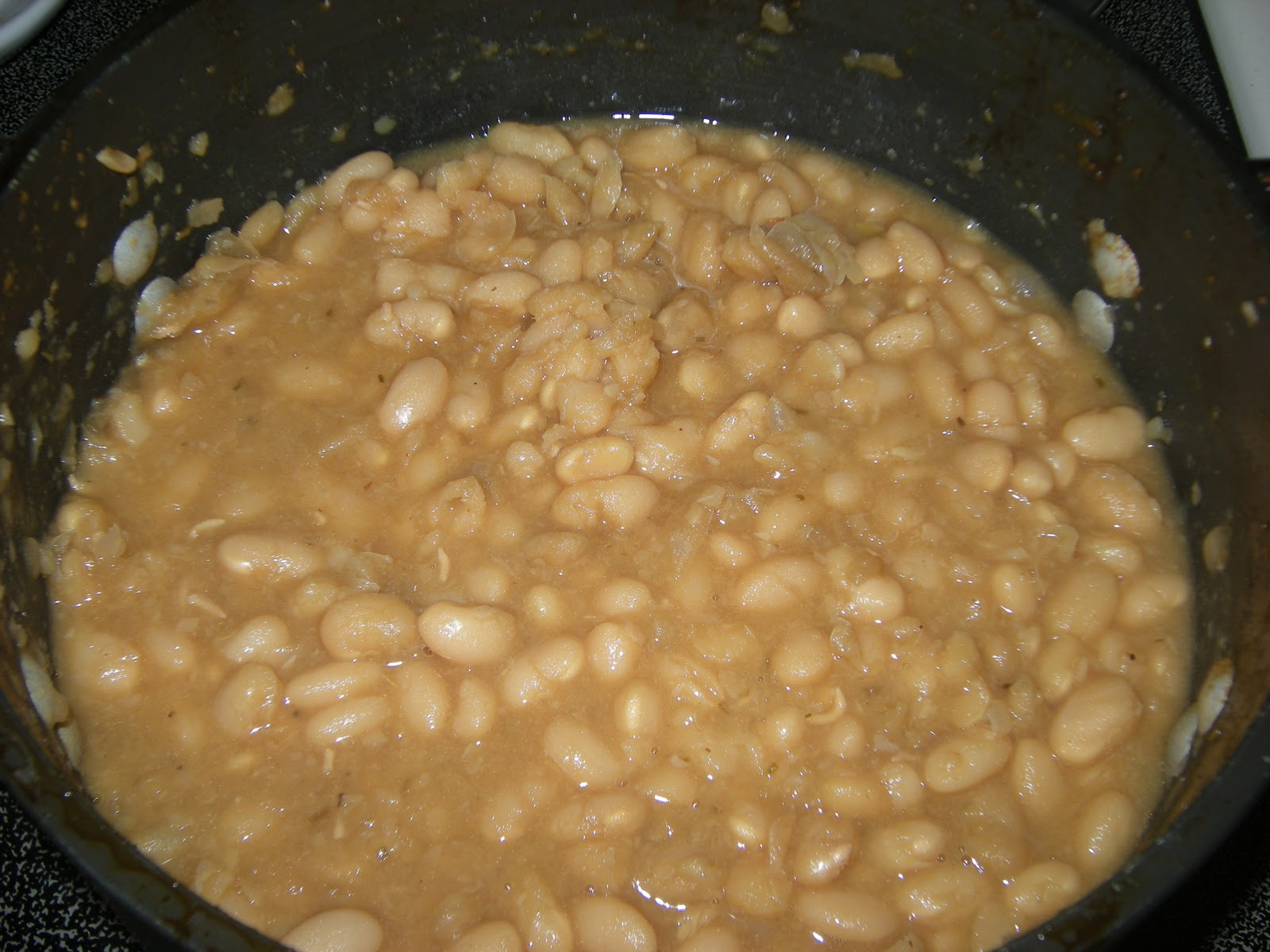 the great mom pop culture escape: Beer-Baked White Beans