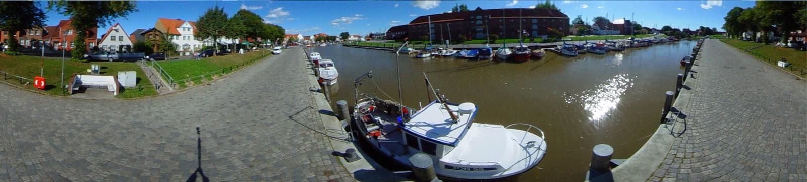 Panoramafoto historischer Hafen Tönning