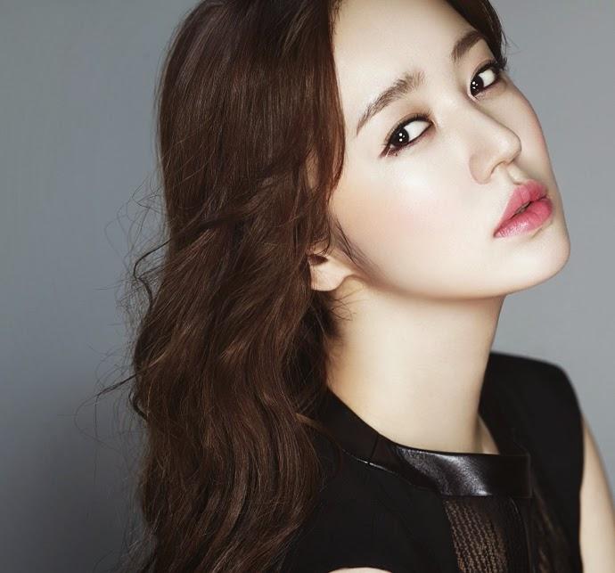 http://4.bp.blogspot.com/-Qob-3rR25lE/U2GD588ohUI/AAAAAAAA6Xs/CATGwdq4uBE/s1600/Yoon+Eun+Hye+-+High+Cut+Magazine+Vol.124+(4).jpg