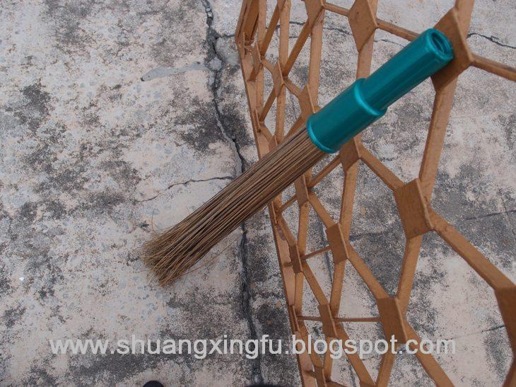 Xing Fu Penyapu Lidi Used To Get Rid Of Evil Spirits