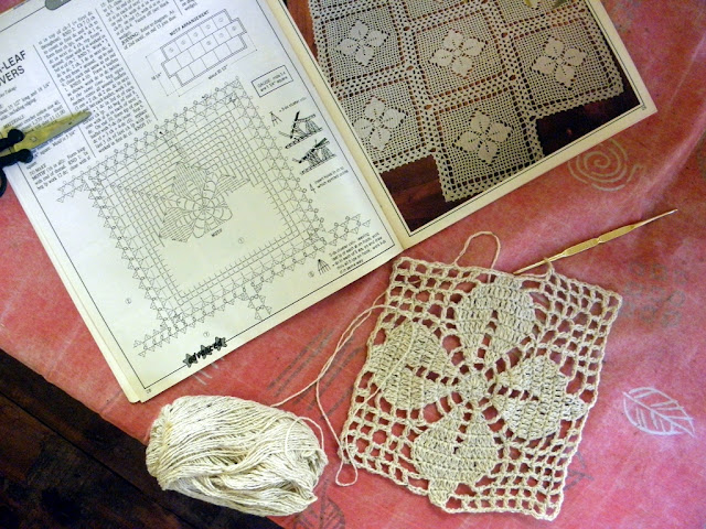 Intricate motif, free pattern for mat, to modify.
