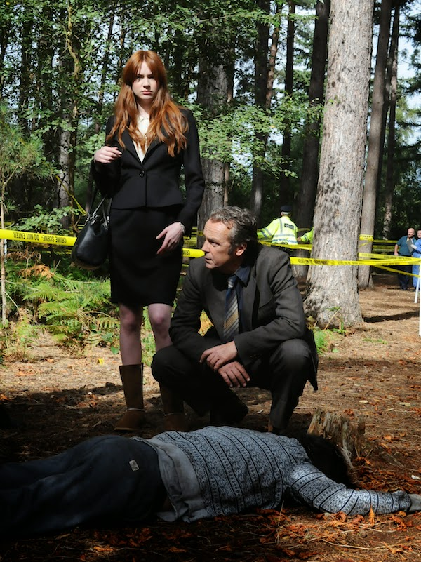 A Touch of Cloth Season 3.BEHIND THE SCENES WITH DI JACK CLOTH (JOHN HANNAH) AND KERRY NEWBLOOD (KAREN GILLAN)