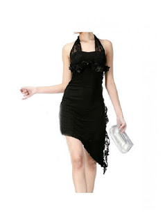 Vestido de fiesta corto, cuello halter, asimétrico, con aplicaciones de encaje