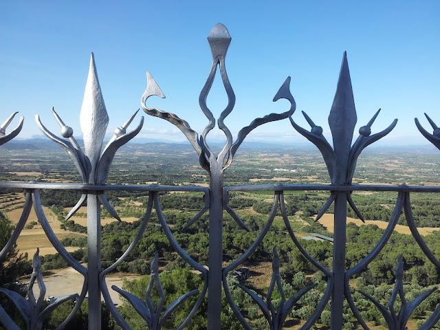 Vistas y paisaje desde el Monasterio del Pueyo de Barbastro Huesca Somontano