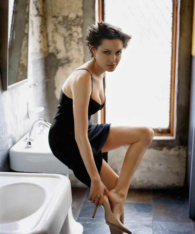 angelina jolie new hot - photo #1