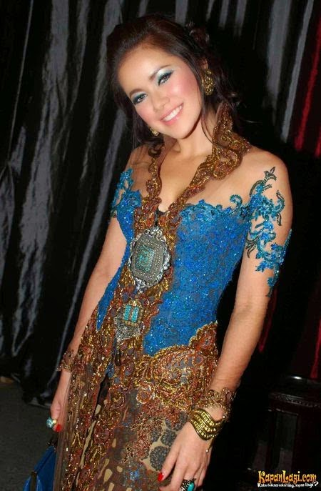 Foto Model Baju Kebaya Artis