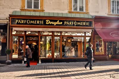 perfume-shop-france.jpg