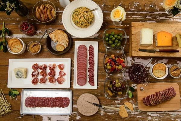 mesa de aperitivos