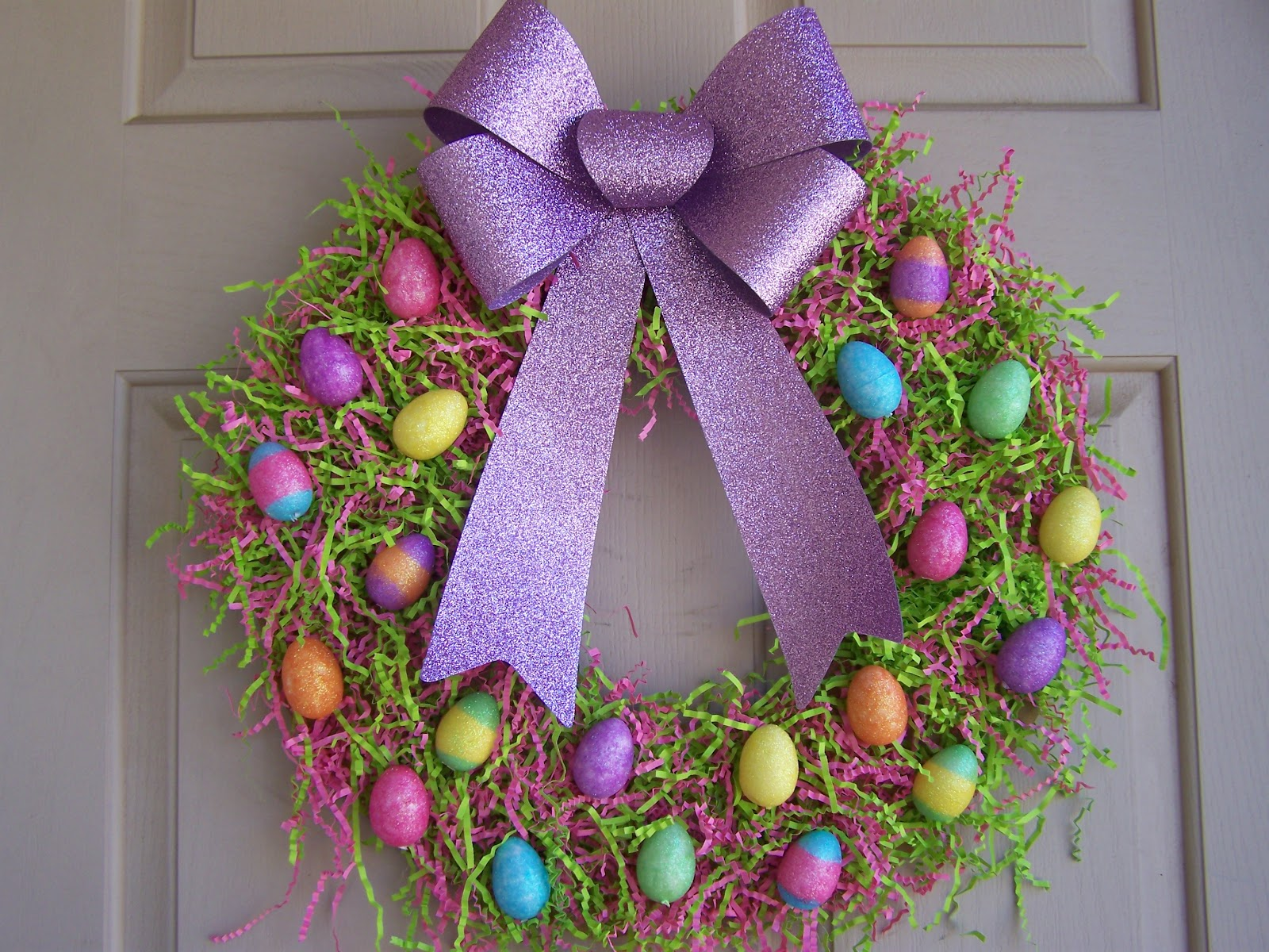 The busy broad easter egg wreath for Spring craft ideas for adults