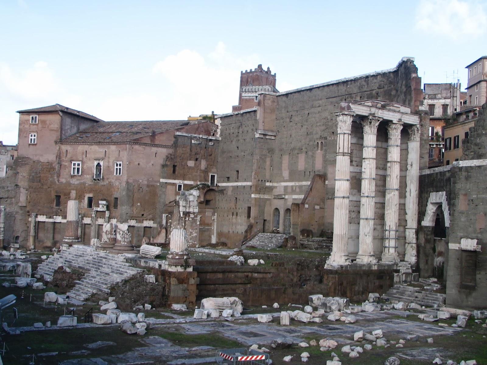 Italia - Roma - Foro de Augusto