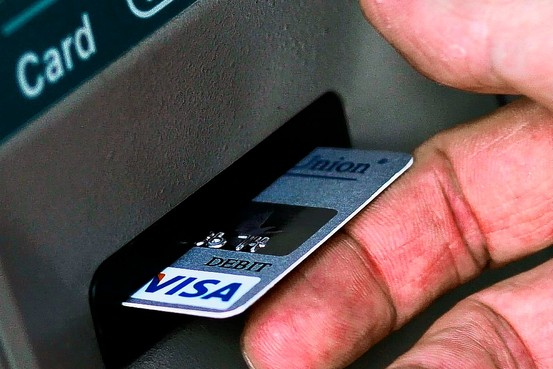Kartu ATM Tertelan Mesin? Buat Aja Yang Baru!