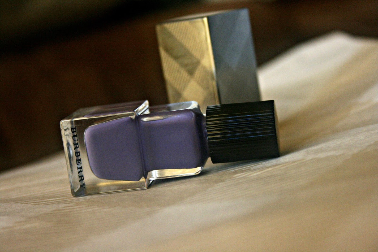 Burberry Beauty Nail Polish in Pale Grape No. 410