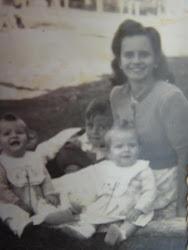 Mirza e filhos por 1945