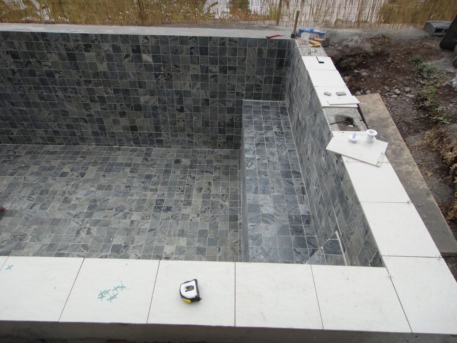 Construire sa piscine partie 3 pose for Construire sa piscine