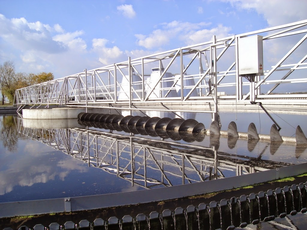 Bộ phận lược rác bể xử lý nước thải