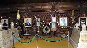 Ziarah ke Makam Mantan Presiden Soeharto di Astana Giribangun