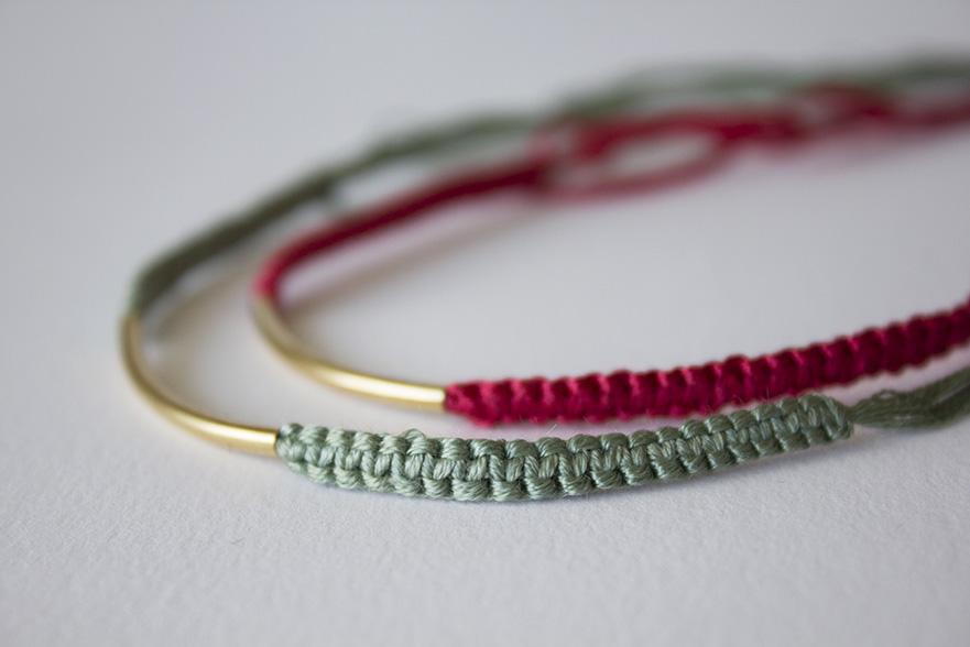 fabriquer un bracelet en coton bijoux la mode. Black Bedroom Furniture Sets. Home Design Ideas