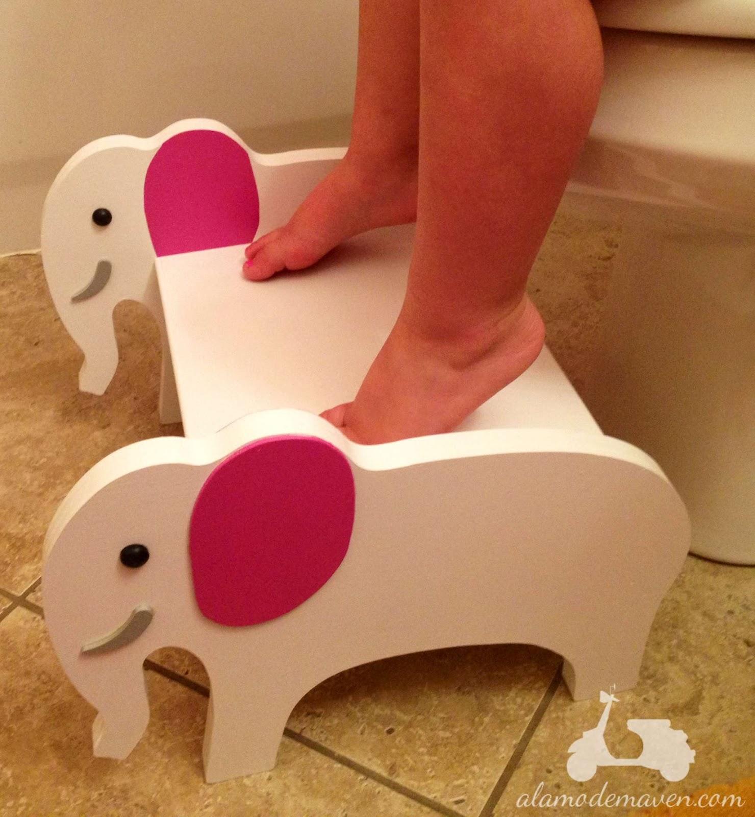 alamode custom wooden children 39 s step stools mr elephant. Black Bedroom Furniture Sets. Home Design Ideas