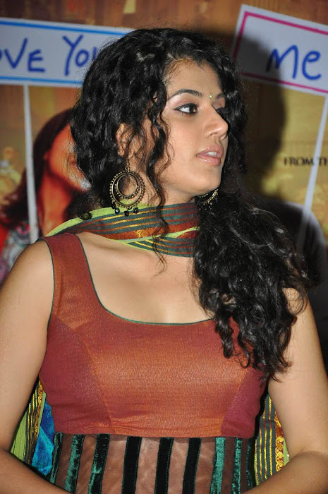 tapsee glamour  images
