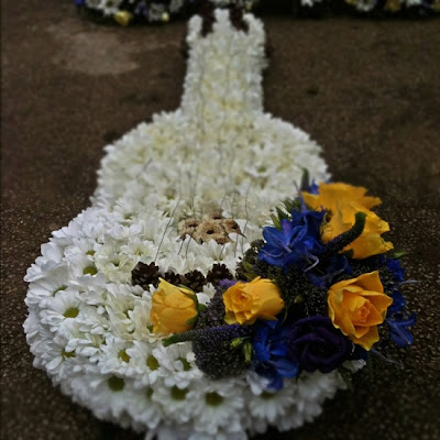 guitar wreath for Nick Askew