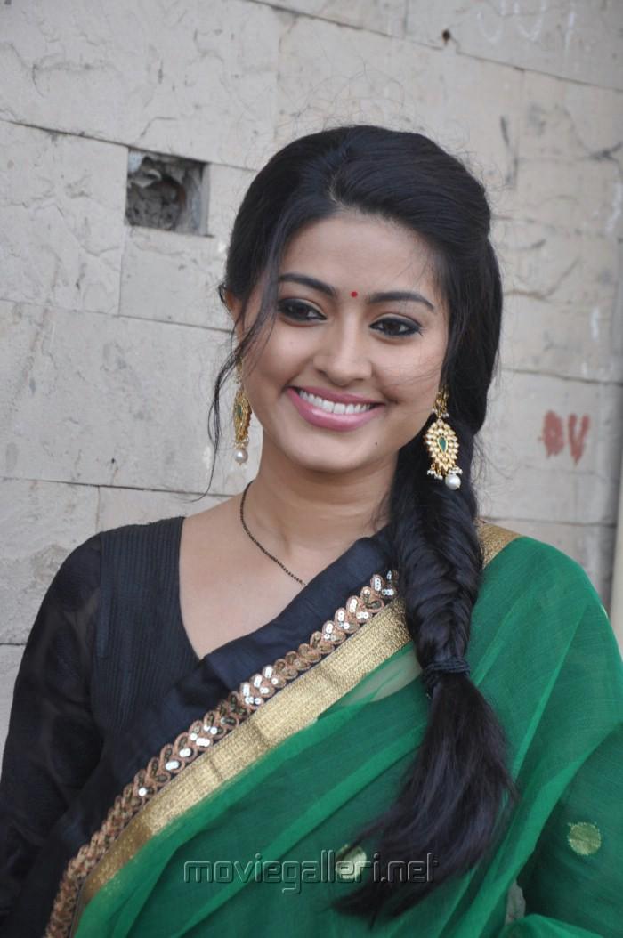 Tamil Actor Actress Photoshoot Stills Unseen Family Photos