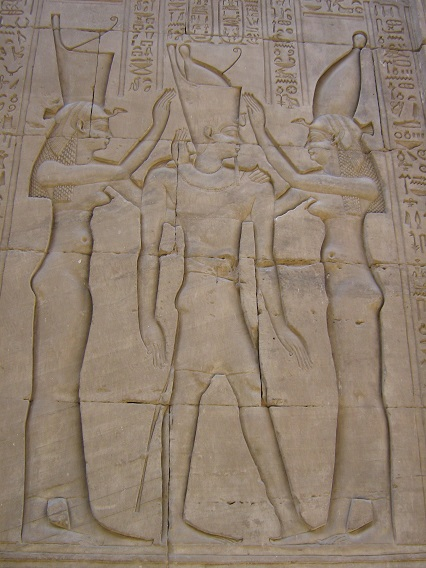 Egyptian-Threesome-Beautiful-Wall-Carving-Nile-Cruise-Egypt-2008-Sealiberty-Cruising