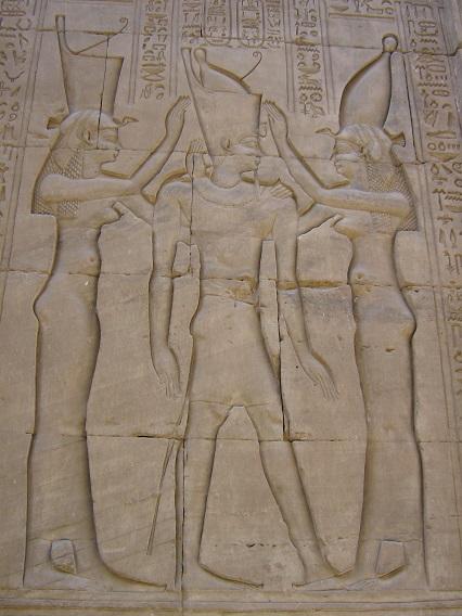 Egyptian-Threesome-Beautiful-Wall-Carving-Nile-Cruise-Egypt-2008-Sealiberty-Cruising