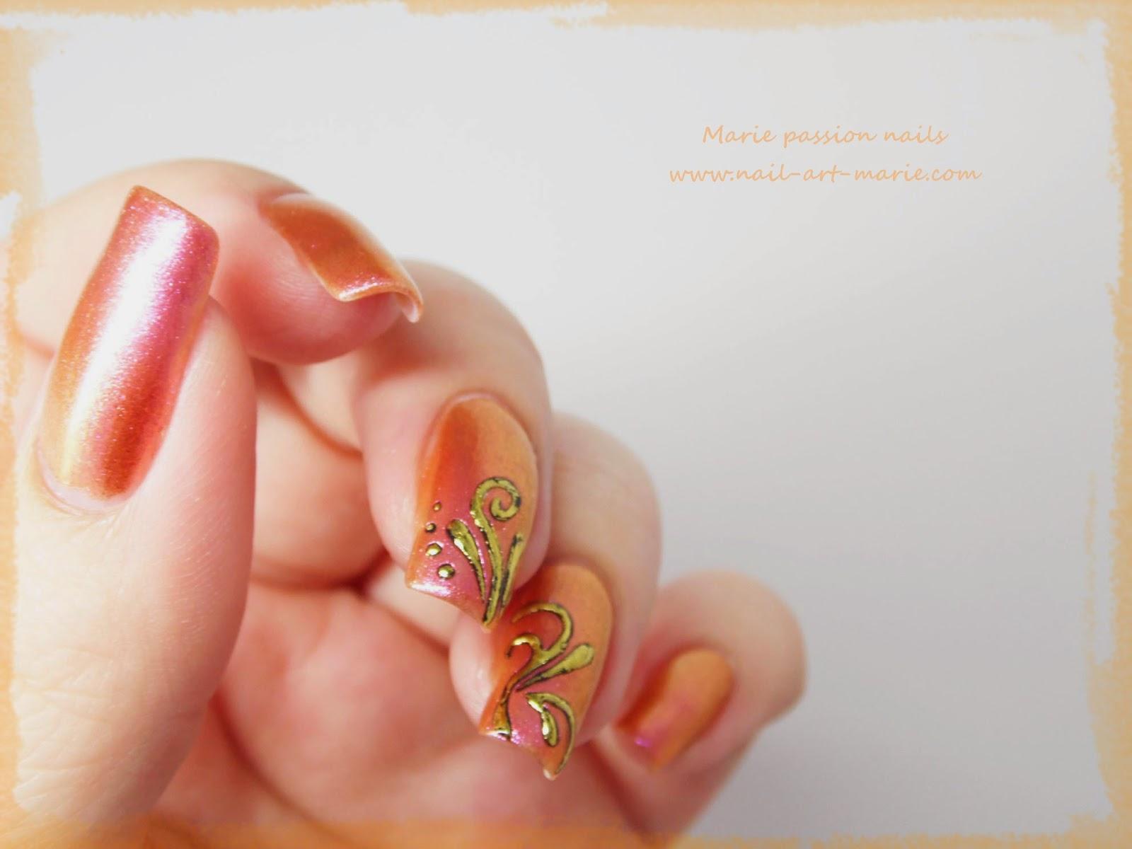 Nail art accent nail en dorures4