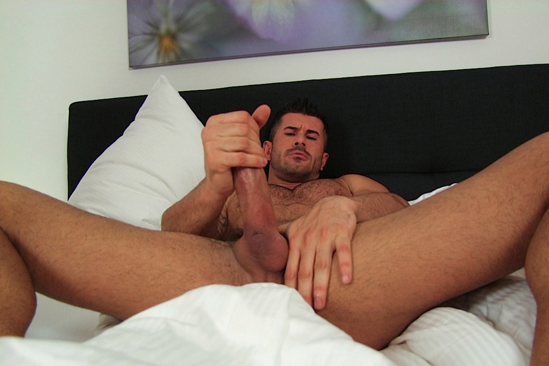 видео как мужчина мастурбирует видео