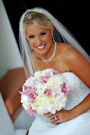 robes de mariage robes de soir e et d coration coiffure de mariage avec voile. Black Bedroom Furniture Sets. Home Design Ideas