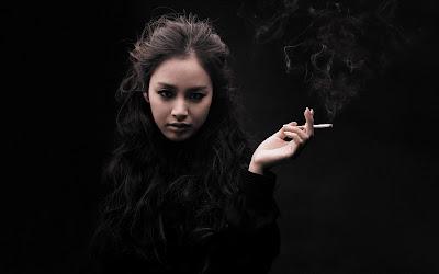 Kim Tae-Hee fume